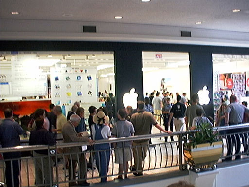 Tysons Corner Apple Store Opening